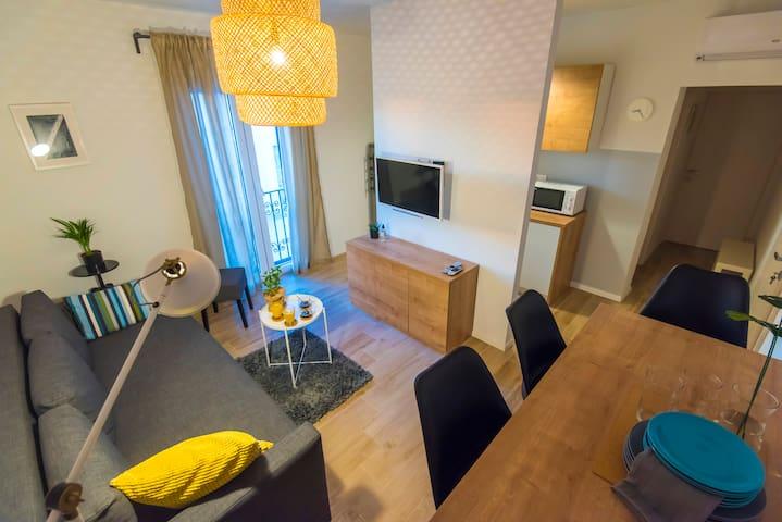 Apartments 1 2 3 - Three