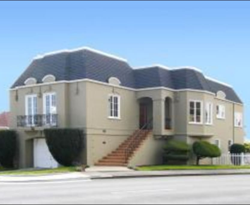 2500 square foot detached house