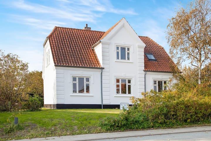 Smuk familievilla tæt ved topstrand - Bindslev