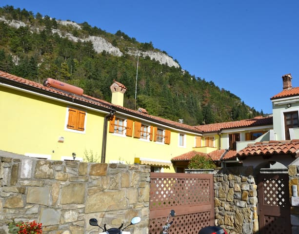 Bed and Breakast In Valle... - San Dorligo della Valle - Bed & Breakfast