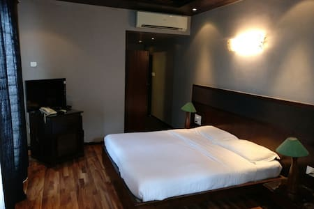 Luxury Deluxe Room for 2 In Baga Riverfront - Baga