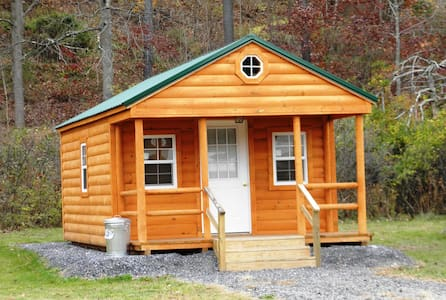 Deluxe Camping Cabin with full bath - Cottage