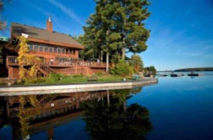 LAKEFRONT COUNTRY INN RESORT for Adults - F - $329