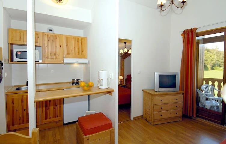 Appartement 4/5 personnes vue lac sur les hauteurs d'Evian avec piscine et sauna