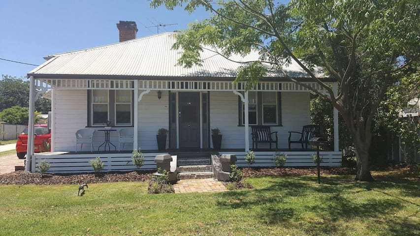 Country Cottage @ Hunter Valley - Cessnock - Casa