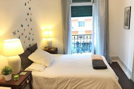 NEW! With balcony! Charming flat & great location! - Lisboa - Wohnung