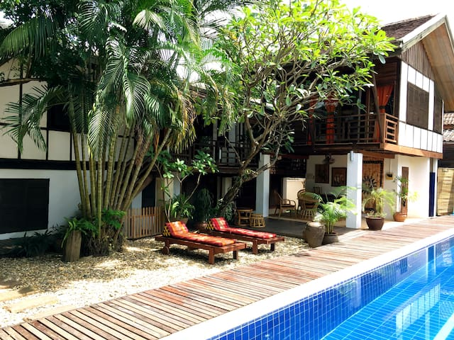 Guest room #2 with pool in Oasis by Mekong river