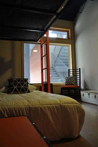 The Bunkhouse.  A designer hostel. - Minturn - 其它