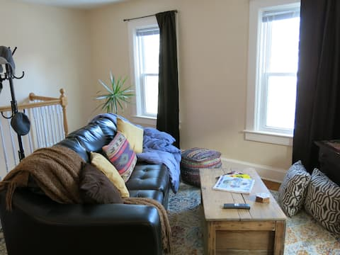 Walk to Downtown + Great Amenities + Parking