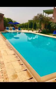 Villa sans vis a vis avec piscine privée