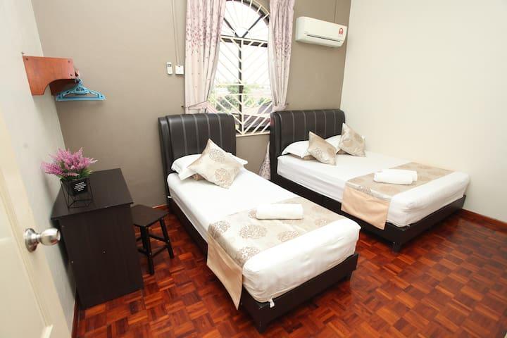 Warni Villa 48 (Room C) Sg.Abong, Muar