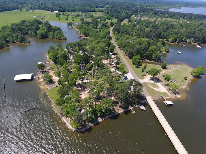 Mobile home on Toledo Bend Lake
