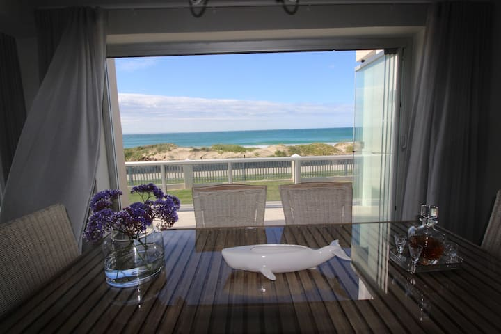 WELCOME HOME Beachhouse Summerseas 42