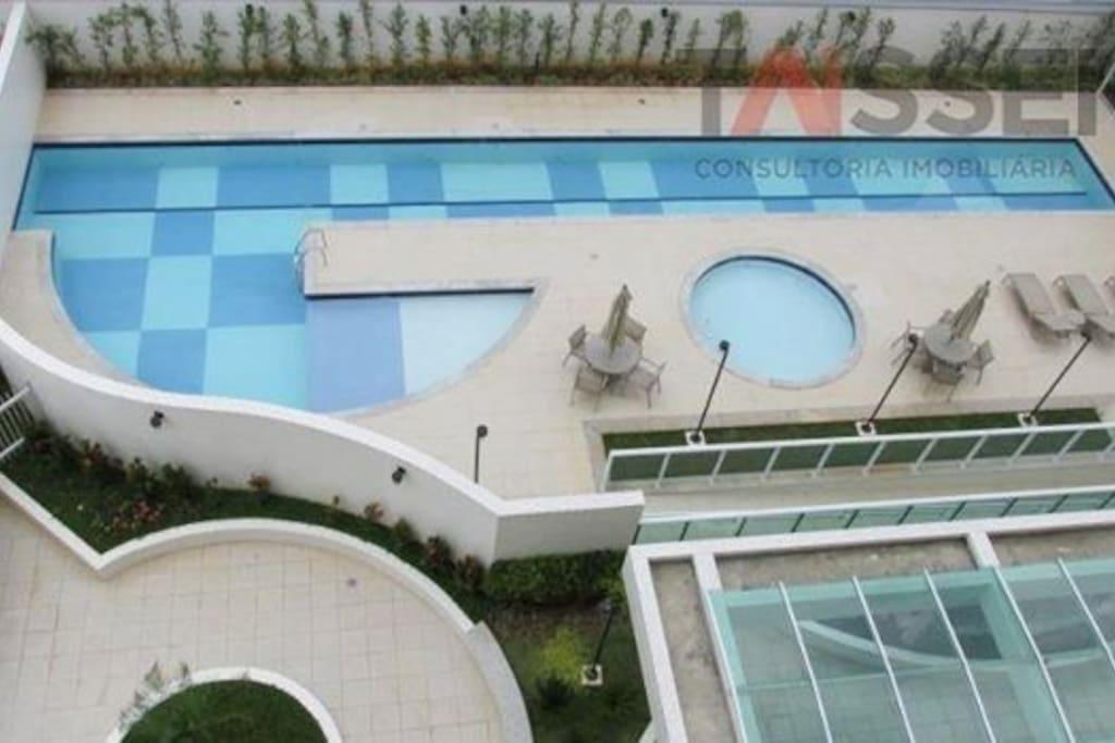 Visão aérea da piscina