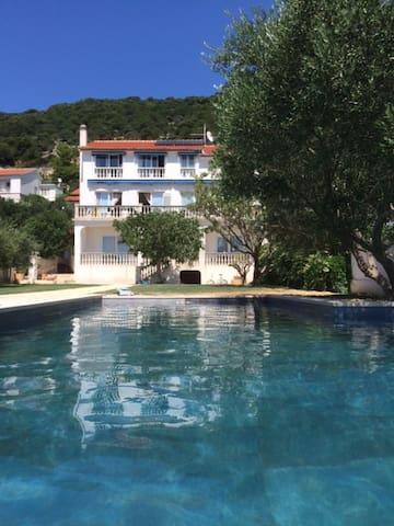 VILLA DELFIN APP2 mit Infinity-Pool + Privatstrand