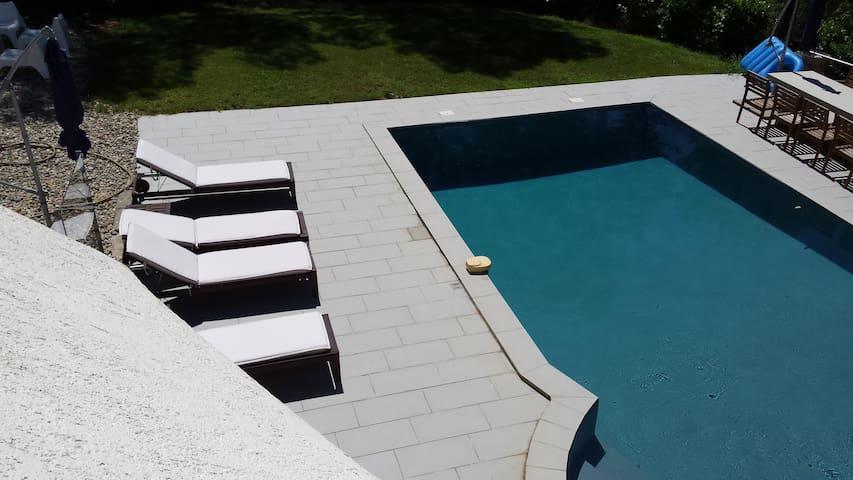 Maison d'architecte  piscine - proche Montpellier