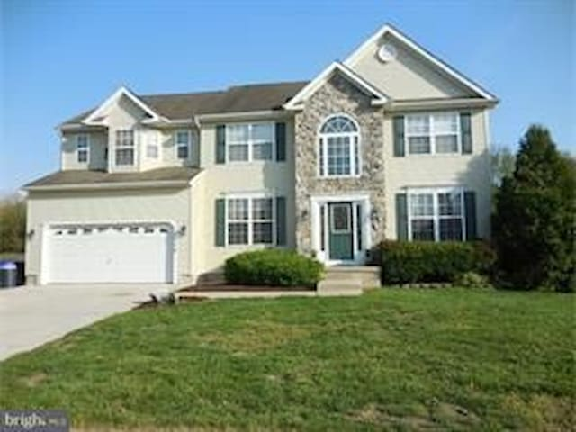Home  near Vineland hospital  and Rowan College!