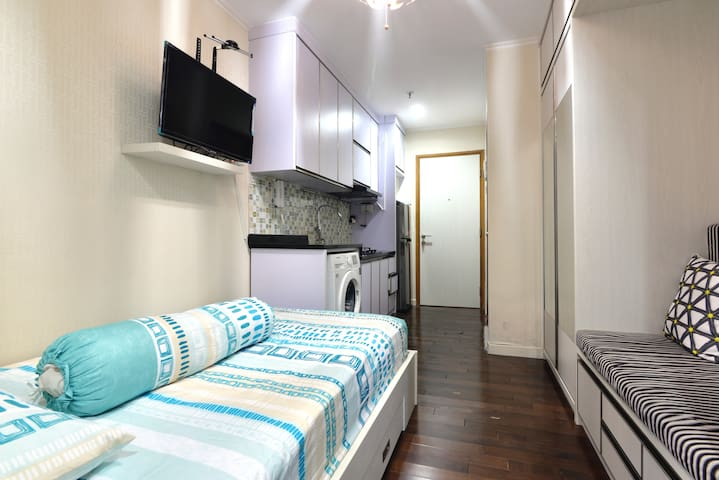 Cozy Studio apartment located in South Jakarta