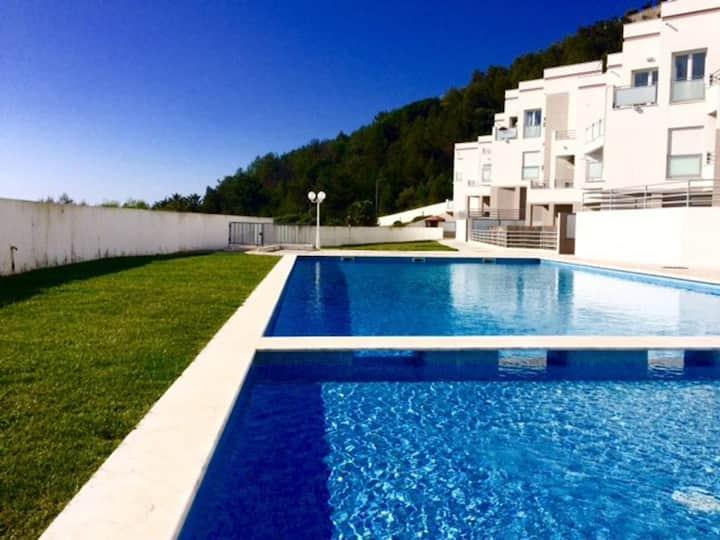 Sesimbra Beach House (New!)