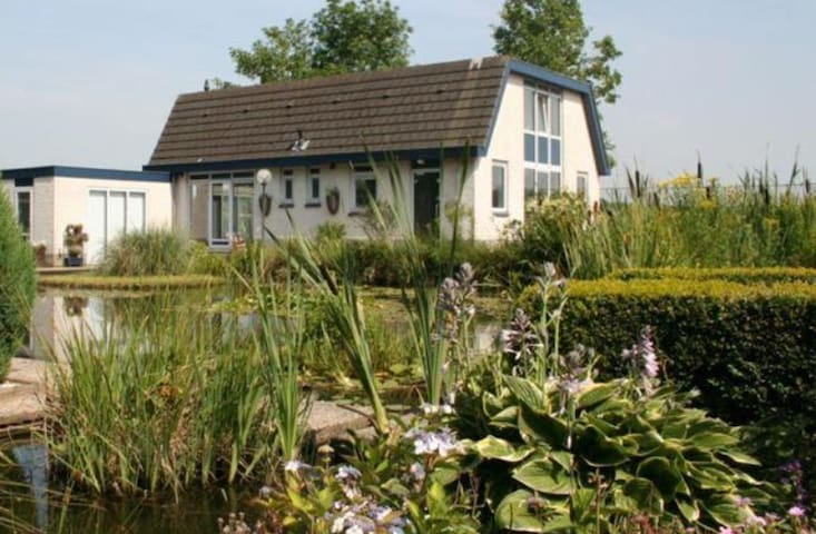 Royale sfeervolle 2p kamer - Rhenen - Bed & Breakfast