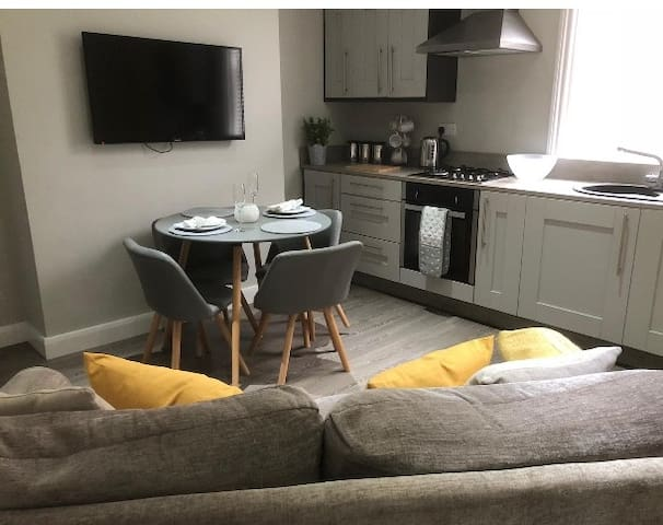 Modern Town centre apartment, totally refurbished