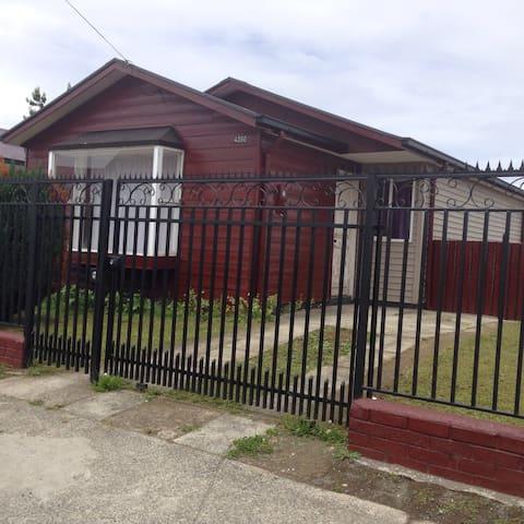 Cómoda y linda casa entera - Puerto Montt - Huis