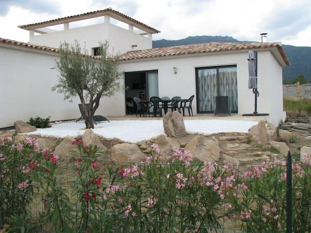 Villa Idéale pour vacances Corses - FIGARI - Villa
