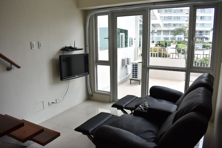 Premium loft unit beside the pool in makati CBD
