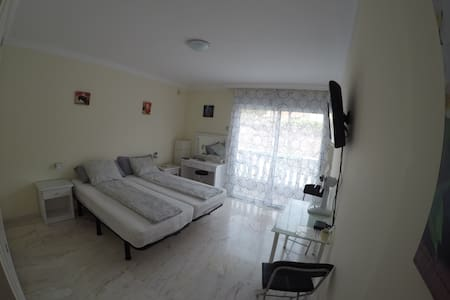 Private room with private Bathroom! - Puerto de Santiago - Apartment