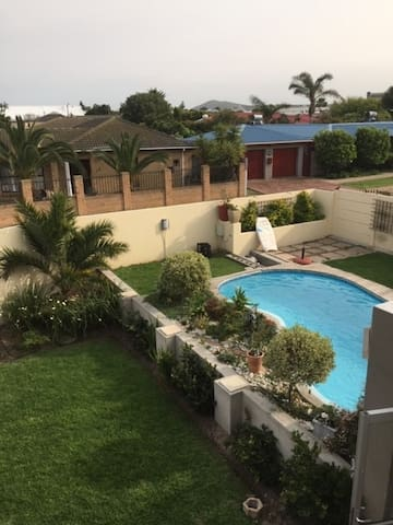Self catering apartment near to Blouberg beach.
