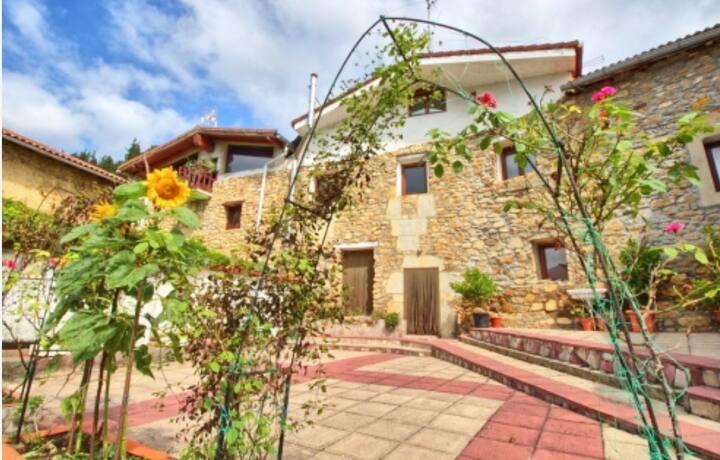 Casa Hijuela, casa rural. Concejero. Valle de Mena
