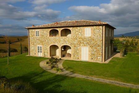 Casa di Charme, Pergolato e Piscina - Province of Arezzo - アパート