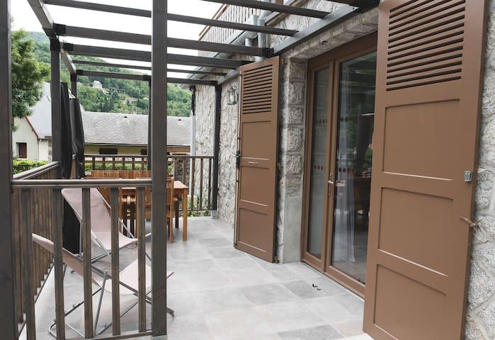 Gite T2****  terrasse parking privé sauna  wifi