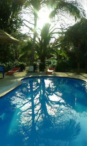 Almendro Surf Lodge - Los Pargos - Bungalow