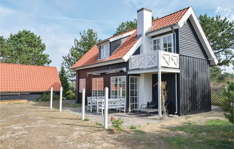 Holiday cottage with 2 bedrooms on 95m² in Ebeltoft