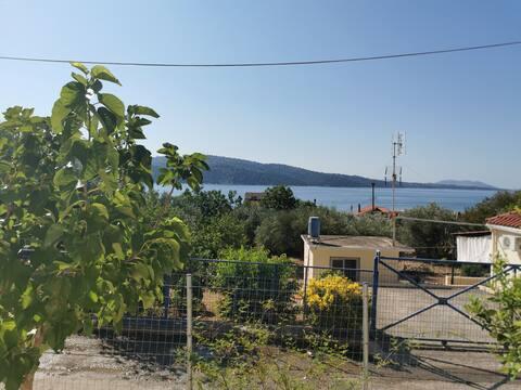 Μονοκατοικία ανακαινισμένη στο Χοβολιό Αστακού