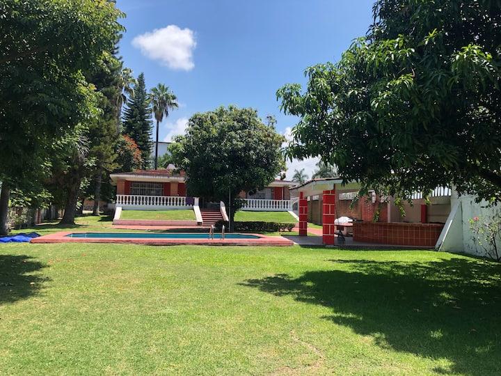 ¡Linda Casa con Alberca  frente SixFlags Oaxtepec!