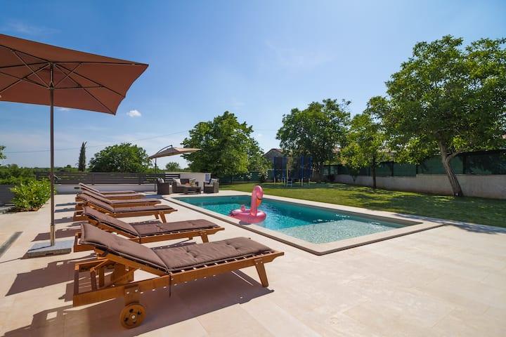 Villa Anavi with private pool in Istria, near Pula