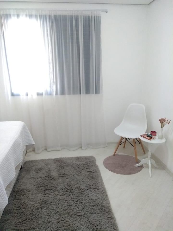 Alugo quarto em apto duplex - Alphaville
