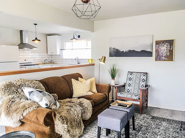 Bright and Chic Downtown Arcata Home