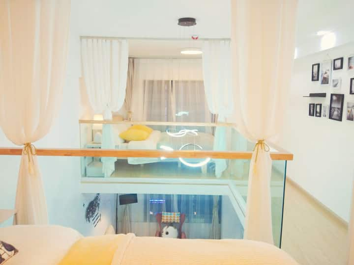 我们的家loft小复式  落地大窗户 中空设计 简约又不是温馨 临近心血管阜外医院 公园 吾悦广场