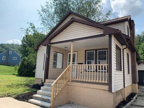 Newly Renovated Private Home Johnstown
