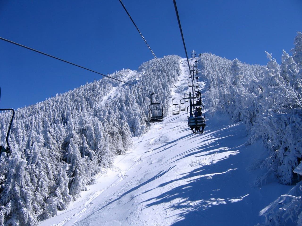 The Ride up Madonna Lift at Smuggs