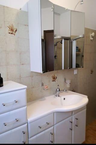 """Un piccolo appartamento """"coccolo"""" - Ischia - Apartamento"""