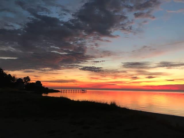 Relax,Refresh,Shore Getaway Hunt,Bird,Create,Enjoy