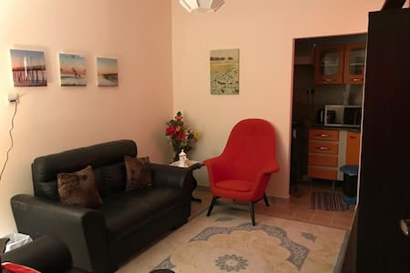 Small 1bhk in wuiker