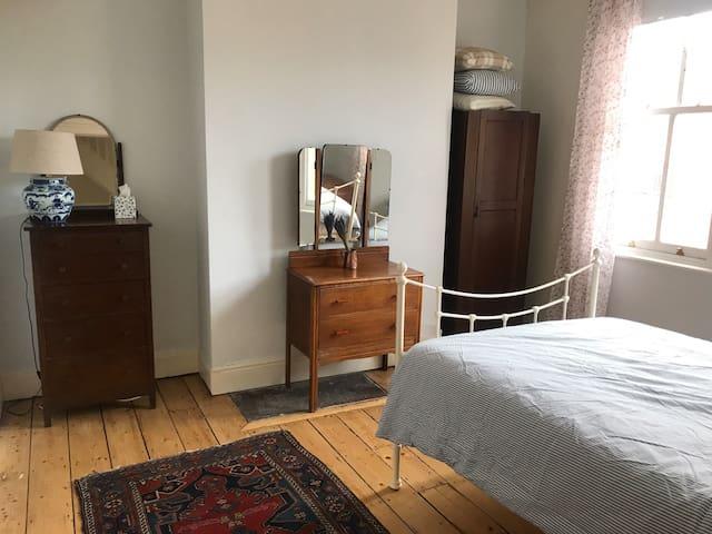 Private room Didsbury Village