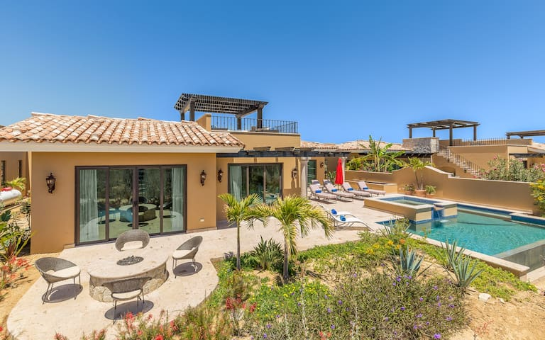 MUST SEE! Panoramic Villa w/ Infinity Pool,Hot Tub