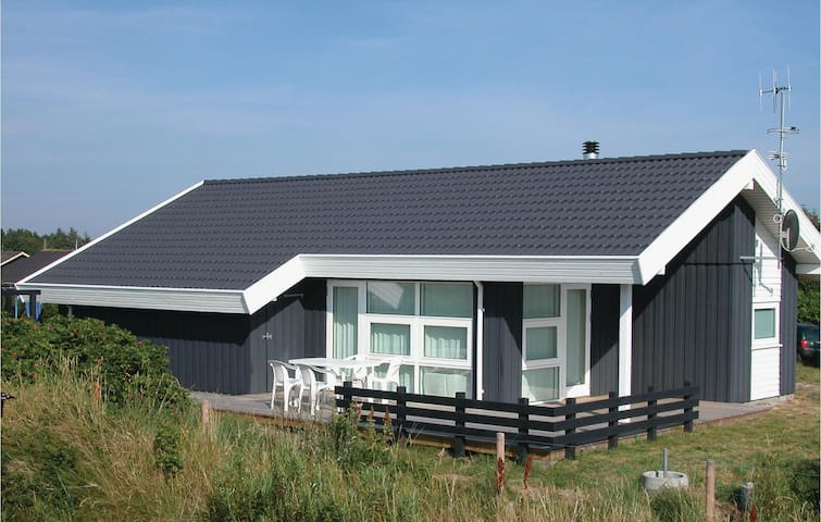 Holiday cottage with 3 bedrooms on 78m² in Henne