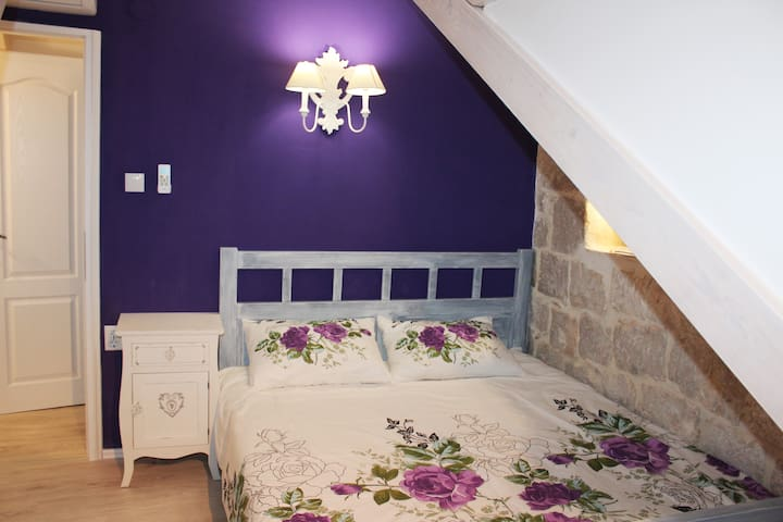 Central double attic room with shared bathroom
